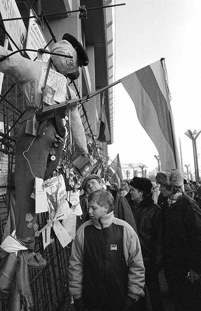 Prie Aukščiausios Tarybos. 1991. Fot. Marijonas Baranauskas